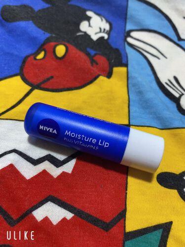 【画像付きクチコミ】ニベアモイスチャーリップビタミンEしっかり保湿してくれていると実感できて、密着感もあるのでとても使いやすいです。キャップも大きいのでキャップを落として無くしてしまうリスクもないし唇のナイトケアとして夜寝る前に塗るのもおすすめです。