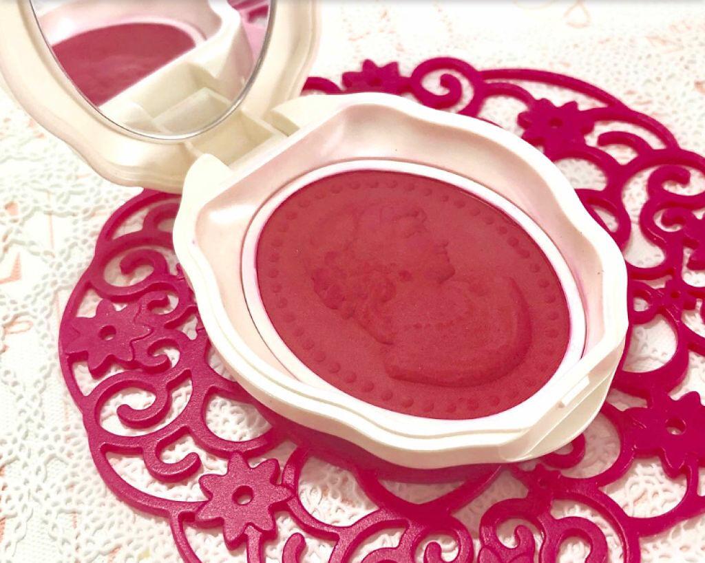 お風呂あがりみたいなマシュマロほっぺ♡クリアレッドのパウダーチークが可愛い