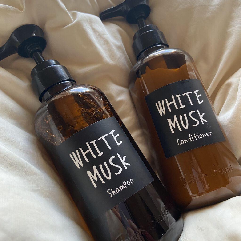 """香りは特別なエチケット。さりげなく、でも""""記憶に残る女性""""になる方法のサムネイル"""