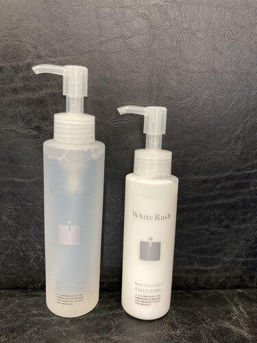 【画像付きクチコミ】ポンプ式で使いやすく、香りもあり癒されます。シミくすみ対策に抜群だそう〜。サラッとしたテクスチャーでお肌がしっかり潤います。保湿ばっちり♡美白化粧水150ml1980円美白乳液150ml1980円#ホワイトラッシュ#whiterus...
