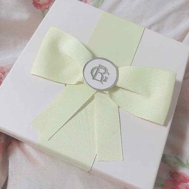 【画像付きクチコミ】ロジェ・ガレ様(@RogerandGallet)のプレキャンに当選して、エクストレドコロンのテファンタジーを頂きました🥰箱から可愛いし、開けた瞬間ふわっと良い匂いが漂ってきた好き〜〜!!🥺💓気品溢れるお姉様の香りというか、異国の薔薇に...