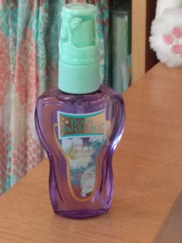 りこ🍊︎ ︎さんの「ボディファンタジーボディスプレー フリージア<香水(その他)>」を含むクチコミ