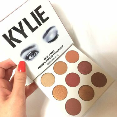 Kylie Cosmetics KYLIE JENNER PRESSED POWDER EYESHADOW