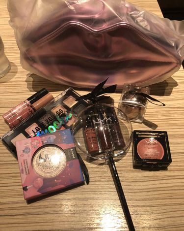 Chie Hashimotoさんの「NYX Professional Makeupバターグロス<リップグロス>」を含むクチコミ
