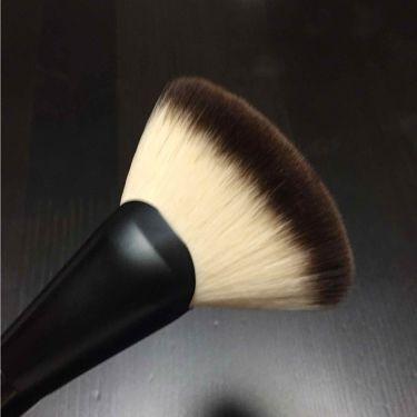 ファンブラシ 6/NYX Professional Makeup/メイクブラシを使ったクチコミ(2枚目)