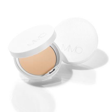 MAQUIA 美白・UVグランプリ2019 W受賞!!!  美への投資を惜しまない! 15周年を迎える美容雑誌「MAQUIA」最新5月号にて。  美容賢者47名が「今年買うべき美白・UVの名品」を選んだ【美白・UVグランプリ 2019】が発表されました!!   名品揃いのランキングの中・・・MiMCのサンスクリーンが美白BB&CC部門、美白・UVパウダー部門でW受賞しました🎉  受賞商品をご紹介いたします♪  -----------------------🍀------------------------   MAQUIA 美白・UVグランプリ2019   🌟美白BB&CC部門 第2位🌟  【春夏限定】ミネラルエッセンスモイストEX SPF50+ PA++++  ✔春夏の肌悩みに着目した美容液仕立てのBBプレストファンデーション。 ✔高い紫外線防止効果を持ちつつ、MiMCならではの石けんオフ。 ✔ノンシリコーンでも崩れない、柔らかいパウダーがお肌にぴったりとフィットします。   ▼詳しくはこちら https://store.mimc.co.jp/products/detail350.html    MAQUIA 美白・UVグランプリ2019   🌟美白・UVパウダー部門 第2位🌟  ナチュラルホワイトニングミネラルパウダーサンスクリーン SPF50+ PA++++  ✔美白機能と紫外線カット値がアップしてリニューアル。 ✔新成分配合で紫外線だけじゃなく、空調が原因でのインナードライ対策も。 ✔保湿効果で透明感*あふれる美肌へ導きます。    *メイクアップ効果による  ▼詳しくはこちら ナチュラルホワイトニングミネラルパウダーサンスクリーン SPF50+ PA++++ https://store.mimc.co.jp/products/detail97.html  -----------------------🍀------------------------   紫外線値が高いのにお肌は軽い! MiMCならではの石けんオフ♪  また塗り直しにも便利なミラー付きです! 朝だけじゃなく、ポーチの中にもしのばせて✨  -----------------------🍀------------------------   4/20(土)までSNSで大好評いただいております、 リキッドリーファンデーション 102-ニュートラルのプレゼントをしております!! LIPS内のプレゼント欄から簡単にできますので、沢山のご応募お待ちしております♪