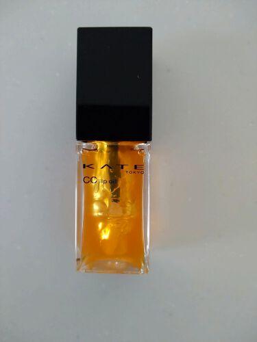 【画像付きクチコミ】KATECCリップオイル値下げになっていたので買ってみました!見た目はキレイなオレンジですが塗ると透明でした😅グロスのベタベタ感が苦手ですがこちらはちょっと重ためですが密着する感じ😁無香料なので使いやすいです!リップクリームだけだと乾...