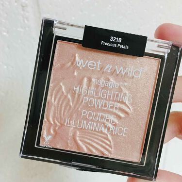 MegaGlo Highlighting Powder / wet 'n' wild