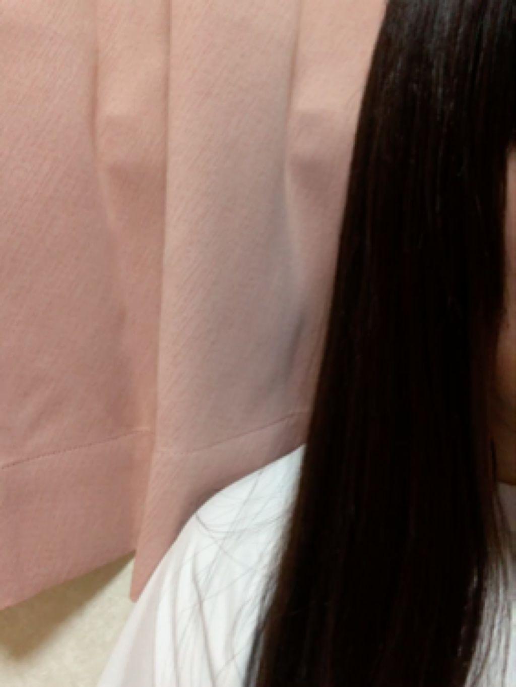 【動画付きクチコミ】ellipsのトリートメント(黒)です!ドンキホーテだと少し高めとお聞きしたのでキャンドゥで買ってきました🛁私の髪は地毛なので、黒を選びました感想↓↓最初匂いは少し強め、数分経てば自然な匂いになりました。シャンプーとの相性もあると思い...