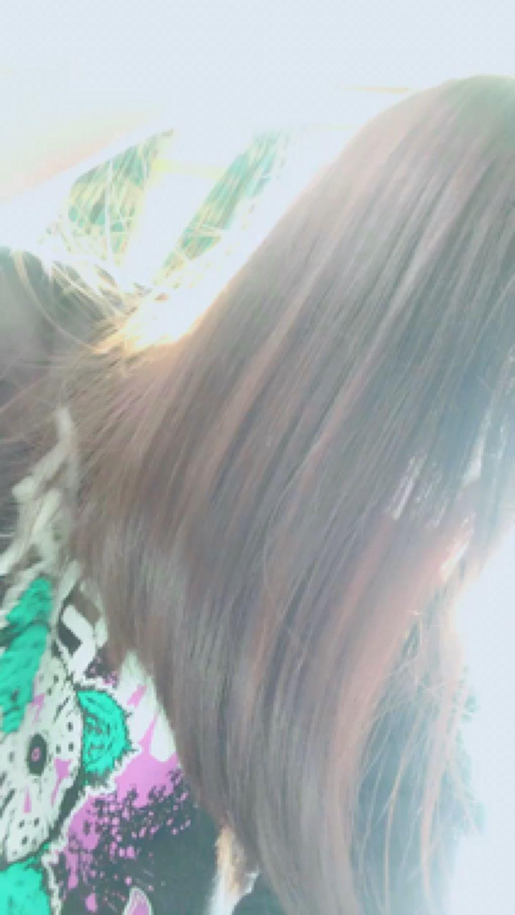 【動画付きクチコミ】前に投稿したellips,LOGbyU-REALMを使い続けて約1週間…🐈カラーが原因で手櫛が通らなかった髪がとぅるとぅるさらさら…✨🍃艶もでて傷みが全然ないです✨ヘアオイルは髪質に合わなかったので使うのを避けていたのですが、elli...