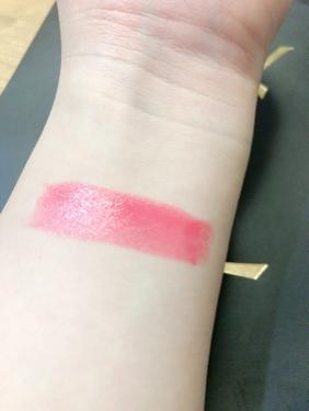 【動画付きクチコミ】使いやすさ抜群!#YSL#ヴォリュプテシャイン59¥4100(税別)色味は赤っぽいピンクです。割と王道なピンクかなと思います!青みピンクや濃いピンクが苦手という方でも使いやすい色味だと思います!人によって違いはあると思いますが、私の場...