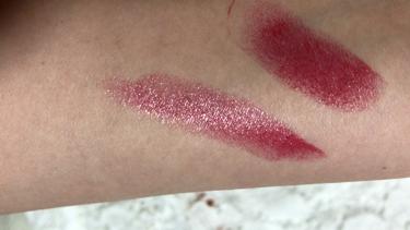 【動画付きクチコミ】ヴォリュプテシャイン78今年のNOELLOOKの商品です!ノエルといえばラメ!!今年の限定カラーもラメがキレイ!!特に78番のゴールドラメがホントキレイで唇をきれいに見せてくれます✨赤リップ苦手なのですが赤ピンクのようなお色なので使い...