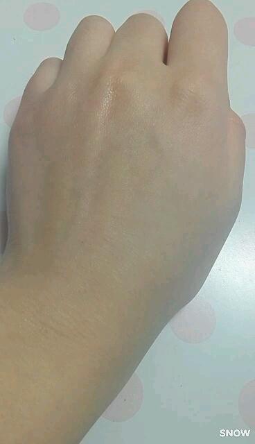 トーンアップ UVエッセンス/サンカット/日焼け止め(ボディ用)を使ったクチコミ(3枚目)