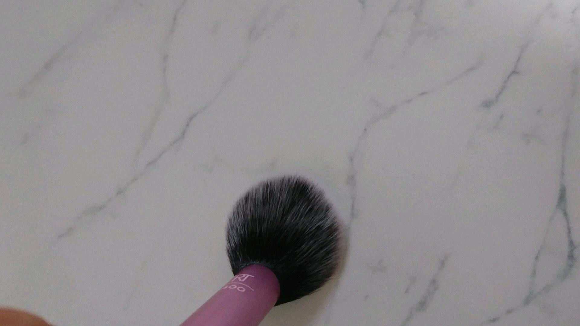 Blush Brush/Real Techniques/メイクブラシを使ったクチコミ(2枚目)