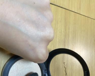 エクストラ ディメンション スキンフィニッシュ/M・A・C/プレストパウダーを使ったクチコミ(3枚目)