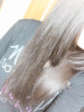 【動画付きクチコミ】昨日に引き続きellipsなんですけど…私割と髪が長くて手ぐしでも通らない事が結構あったのですが…使って2日でサラッサラ…2枚目に動画を貼ってみました(見づらくてごめんなさい🙏)これ使い続けたら美髪では???ʚ❤ɞこれは本当に素敵な商...
