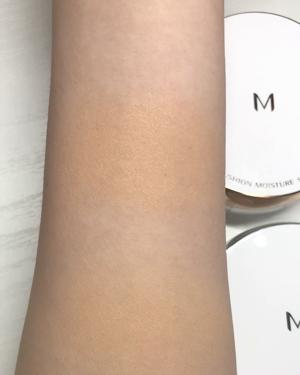 【動画付きクチコミ】MISSHAクッションファンデーションモイスチャー&マット比較🔎少し見づらいですが、、動画は上に塗っているのがモイスチャー、下に塗っているのがマットです!【私の肌質】混合肌Tゾーンはテカりやすく、口周りが乾燥しやすいです。頬などは特に...