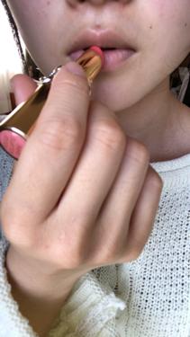 【動画付きクチコミ】💋の動画、画像あります⚠️🐸⚠️YvessaintLaurentルージュ#15です👌💕こちらは婚活リップ、モテリップとして有名ですよね👏動画でも分かる通り、派手じゃなく薄づきだけど女の子っぽい色味になります💄💕塗り心地もよくスルスル塗...