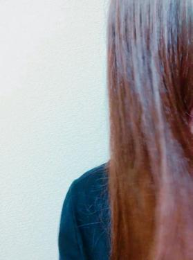 【動画付きクチコミ】twitterで見て気になってたこれ試してみました!▼ellipsヘアトリートメントイエローサラサラ輝く髪へわたしはドンキで買ったので200円くらいだったのですがこれ100均でも買えるんですね!3枚目の動画見てもらえば一目瞭然なのです...
