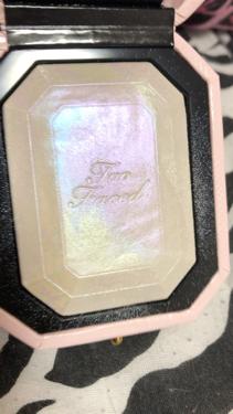 ダイヤモンドライト ハイライター ブラシ/Too Faced/メイクブラシを使ったクチコミ(2枚目)