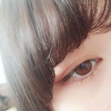 【動画付きクチコミ】サナエクセルスキニーリッチシャドウSR05持ってるアイシャドウエクセル率高めすぎるけど使いやすすぎる◎右上のサーモンピンクのような色がとても可愛い発色もほんのりなのでさりげなく目元を女子に👏アイライナーはグレーにしました