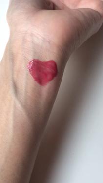 【動画付きクチコミ】RMKのリップグロスを紹介します◡̈♥︎⋈RMKカラーリップグロス⋈✓06スパイスレッド口紅のような発色と透明感あふれるツヤでちゅるんな唇になるリップグロスです𓈒𓏸リップグロスなので落ちやすいですが他のリップグロスよりベタベタ感も...