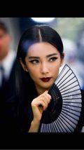 中国美人目指すメガバン女。